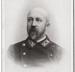 Jonas-Jablonskis-–-berniuku-gimnazijos-lotynu-kalbos-mokytojas-Gardine.-1912–1914-m.Jablonskiu-seimos-nuosavybe_lnm.lt_-e1416491390329
